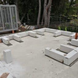 Gartenkueche bauen–Sockel und Waende mit Gasbeton Pornbeton Ytong mauern commaik.de 29 - Gartenküche bauen #2 – Sockel und Wände mit Gasbeton mauern
