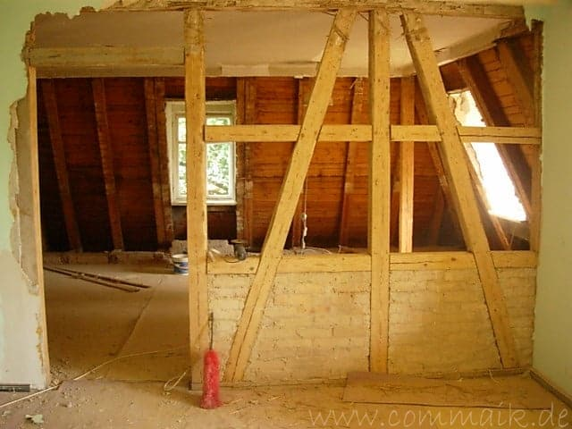 Entkernen des Wohnzimmers – Trockenbauvorbereitungen