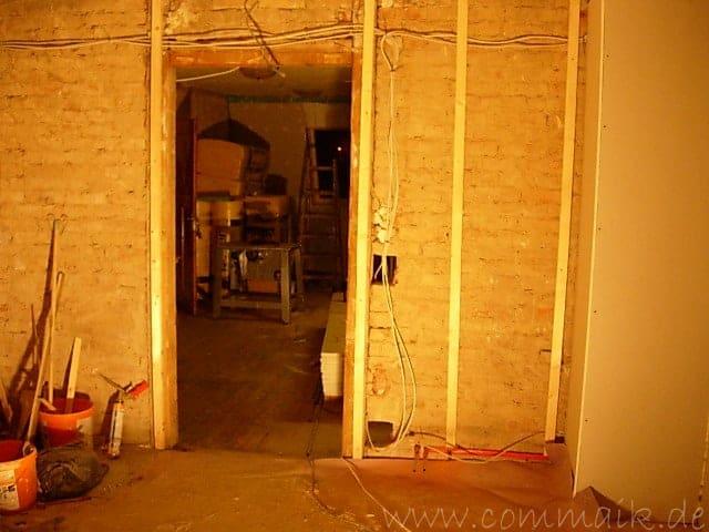 Elektrik und Trockenbauunterkonstruktion im Wohnzimmer